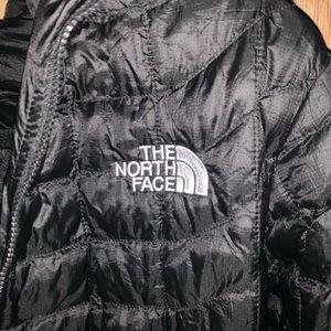 Unisex North Face puffy jacket